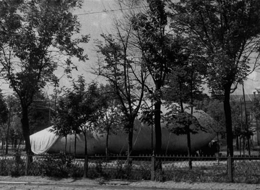 Аэростат противовоздушной обороны на Тверском бульваре