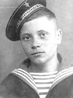 Шестнадцатилетний юнга Роберт Русаков, 1944 г.