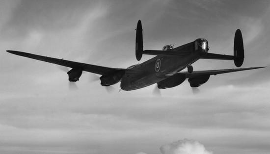 Lancaster в полёте