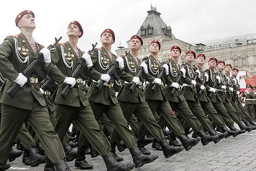 9 мая 2007г. Москва. Красная площадь. Военный парад.
