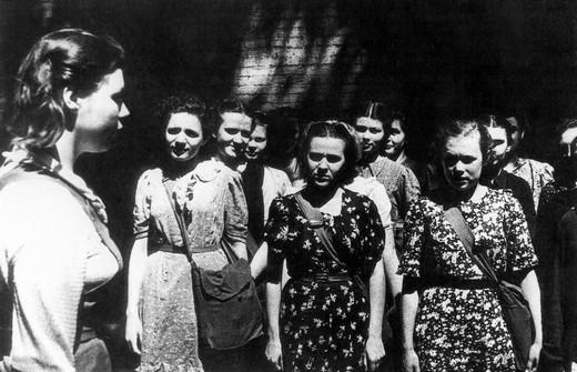 Великая Отечественная война, 1941 год. Курсы санинструкторов.