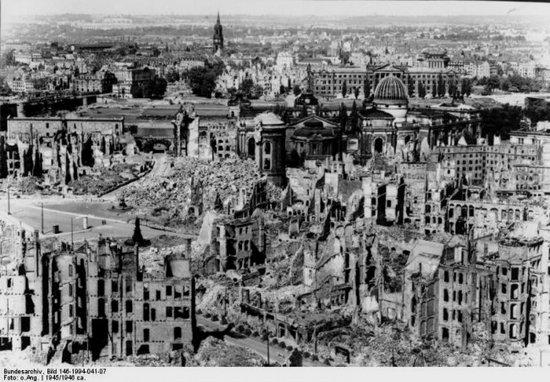 Руины Берлина. 1945 г.