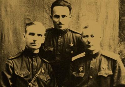 Е.М. Сергеев с офицерами штаба Южного фронта. 1943 г.