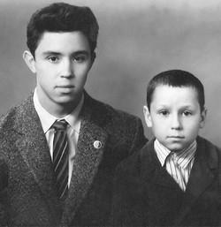 В.П. Бузовский с младшим братом Виктором