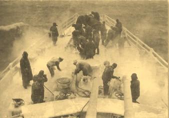 На баке английского эсминца, 1944 г., Берингово море.