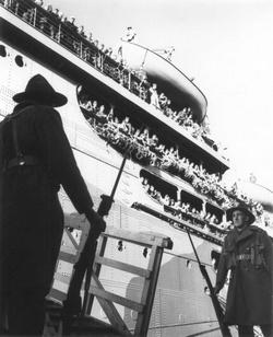 Морские пехотинцы прибывают в Веллингтон