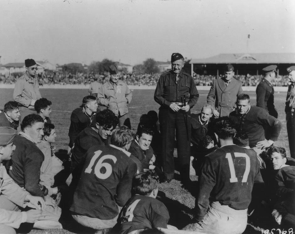 Матч по регби: морские пехотинцы США против сухопутных войск Новой Зеландии, 1943 год