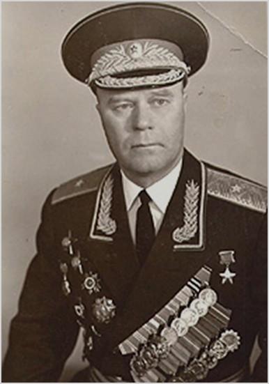 Николай Иванович Ященко  ( 1919 — 2001) — участник Великой Отечественной войны, командир 214-го гвардейского стрелкового полка 73-й гвардейской стрелковой дивизии 57-й армии 3-го Украинского фронта, гвардии майор, Герой Советского Союза, военный комиссар Челябинской области (1967—1980)