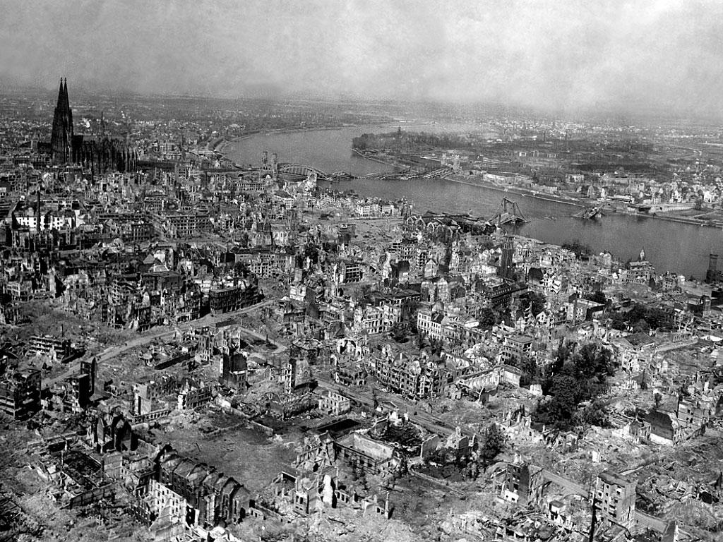 Руины Дрездена, 1945 г.