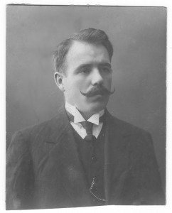 Бронислав Иосифович Левандовский. Фотография ок. 1914 г.
