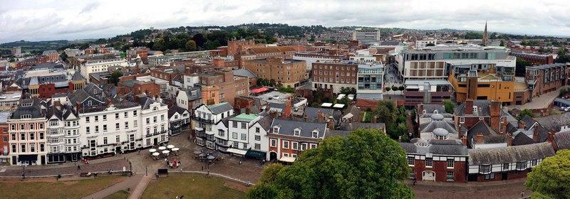 Эксетер — главный город английского графства Девоншир, на судоходной реке Экс. Современный вид.