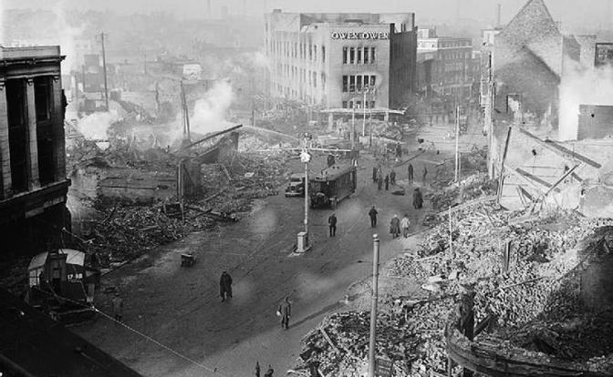 Разгромленный город Англии, 1940 (Фото: Imperial War Museums/ wikipedia)