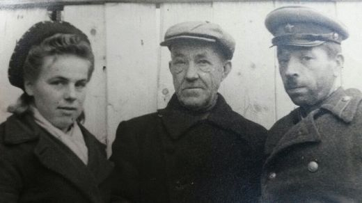 Коллектив Калачевской ветлечебницы, 1947 год.